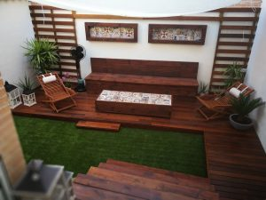 Tarima de madera de ipe en jardin