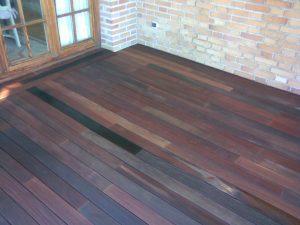 Instalacion de terraza con madera de ipe de exterior en Marbella
