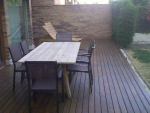 Instalacion y venta en jardin trasero con tarima de madera de ipe de exterior
