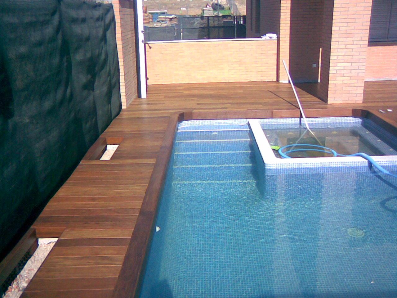 Madera maciza de exterior ipe en piscina for Ipe madera exterior