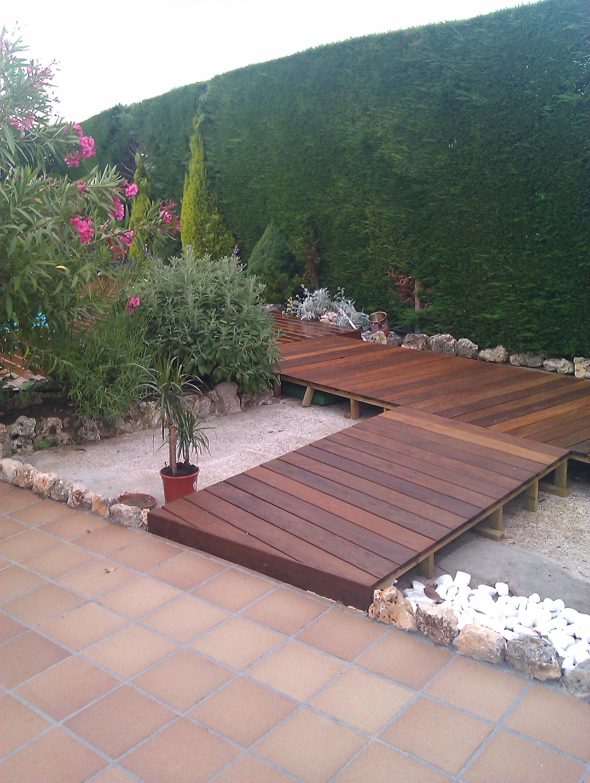 Tarima exotica de madera exterior con aceite valentine en for Tarima de madera exterior