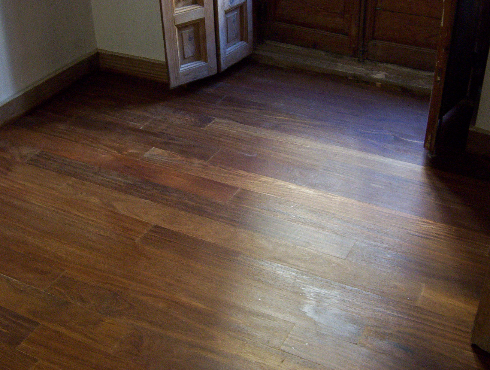 Tarima maciza de sucupira tratado con aceite de interior - Tarima madera interior ...