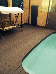 Tarima de exterior para piscina sin mantemiento